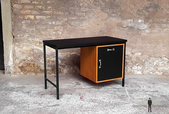 Bureau vintage plateau stratifié fenix noir pied métal vintage