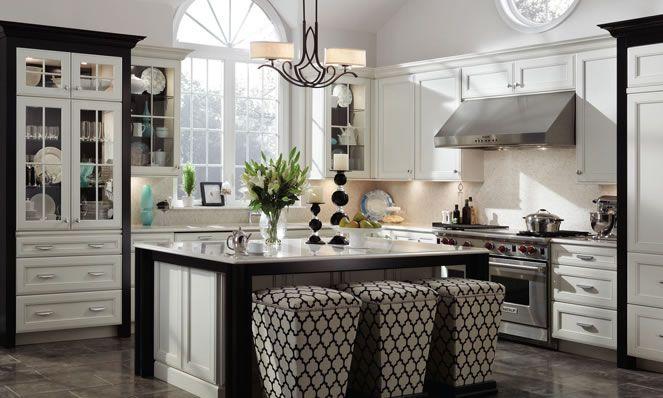 Best 30 White Kitchen Cabinet Ideas For Vintage Kitchen Design 640 x 480