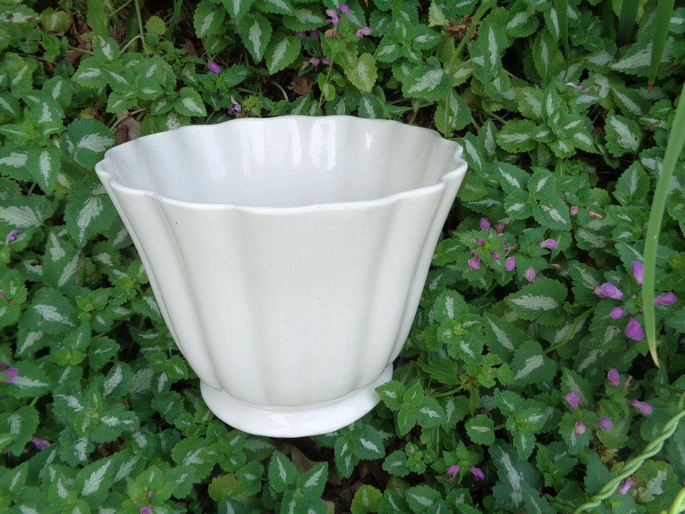 Vintage Brush Art Pottery Fluted Flower Pot Jardiniere 175 7 Artdeco Pottery Art Vintage Brush Flower Pots