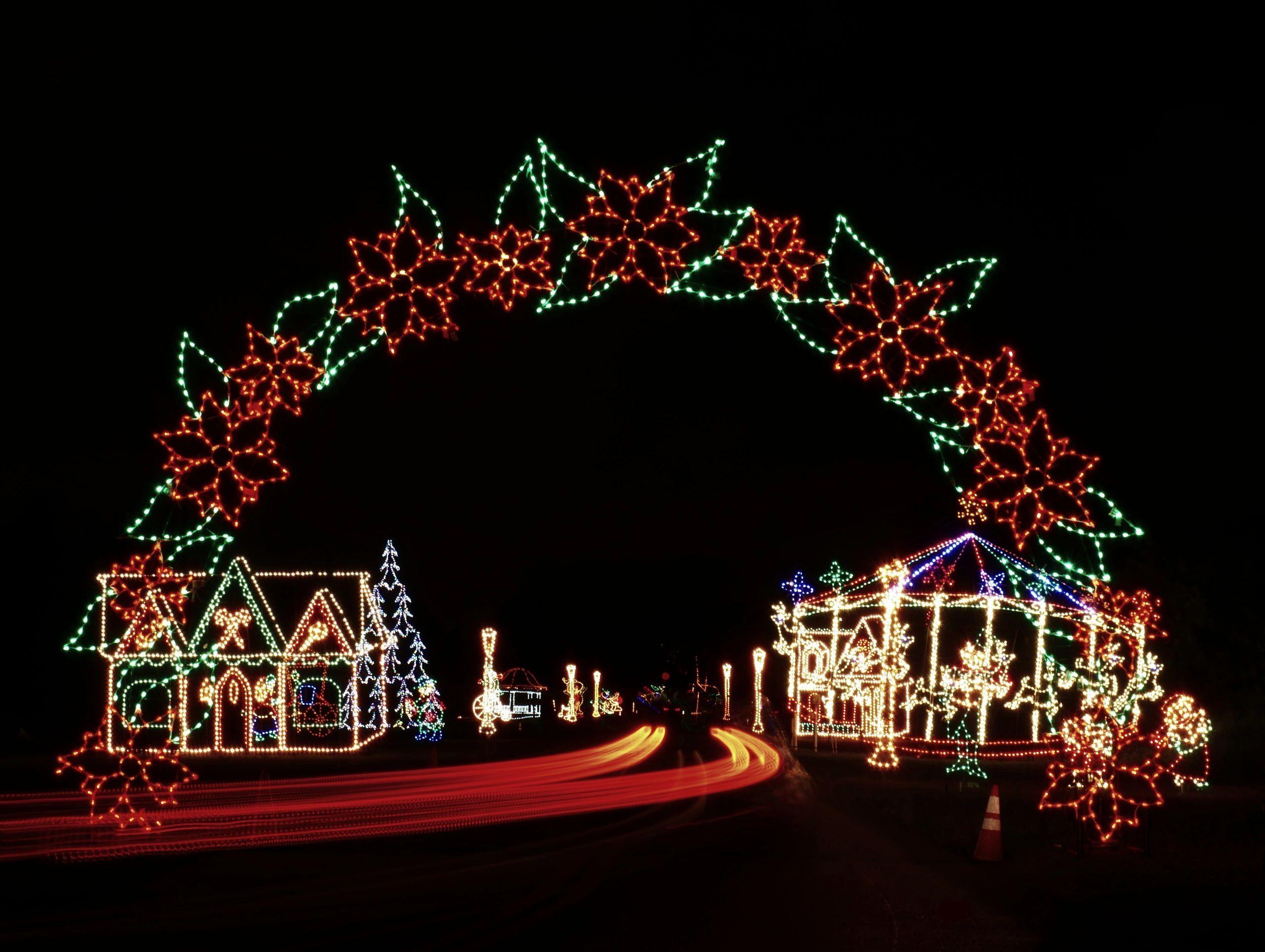Holiday Fantasy Of Lights In 2020 Fantasy Of Lights Holiday Lights Christmas Light Displays