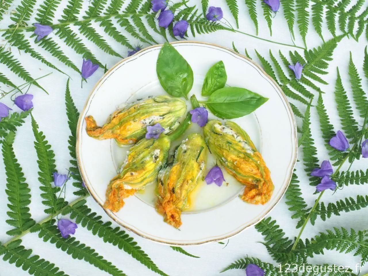 Fleur de courgette farcie au basilic   Fleur de courgette farcie, Courgettes farcies et Recette ...