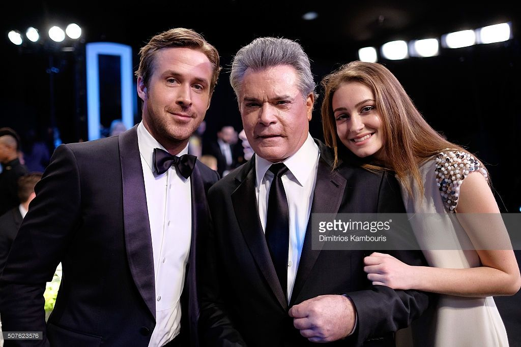 Actors Ryan Gosling, Ray Liotta and Karsen Liotta pose during The 22nd Annual Screen Actors Guild Awards at The Shrine Auditorium on January 30, 2016 in Los Angeles, California. 25650_013