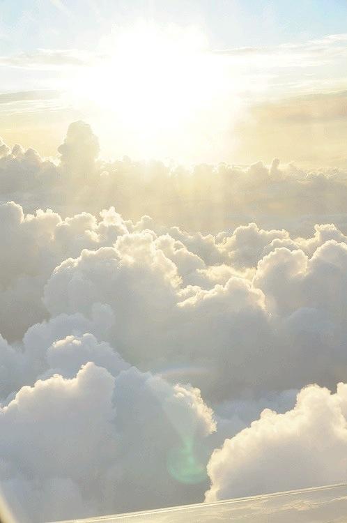 -  السماء فيها من يجيب              فلا تحزن ولا تخيب