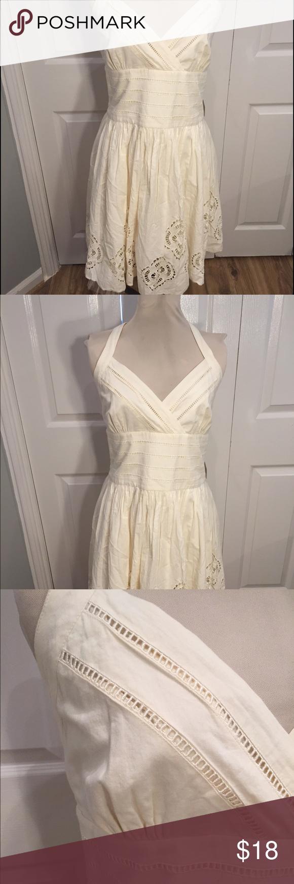 Jessica simpson wedding dress  NWT Jessica Simpson dress size  halter cream NWT  Jessica simpson