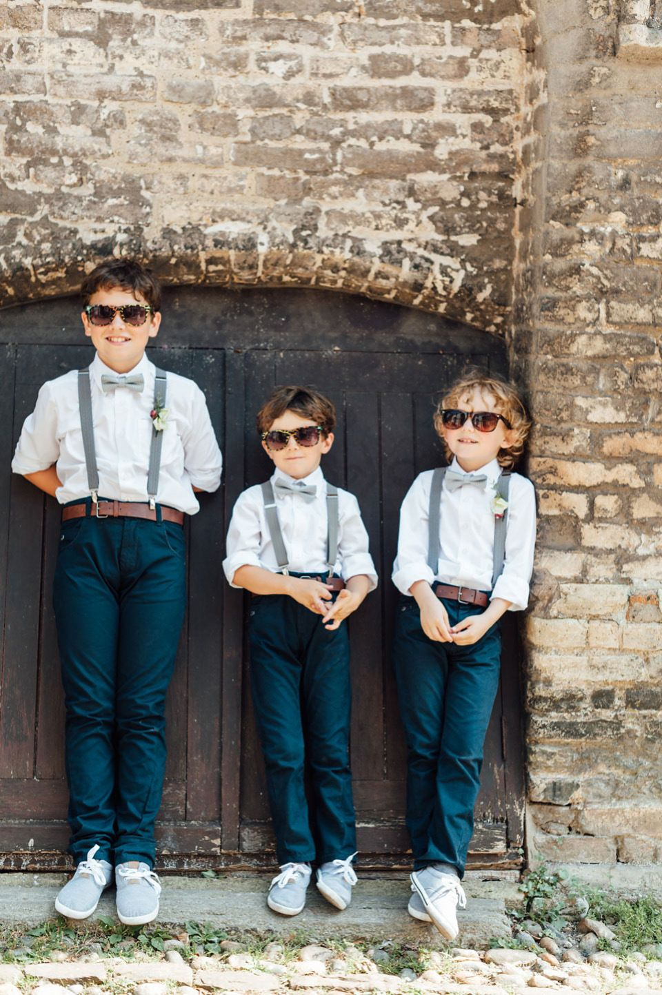 Boys wear jeans, braces and bow ties | Photography by http://www.annkathrinkoch.com/
