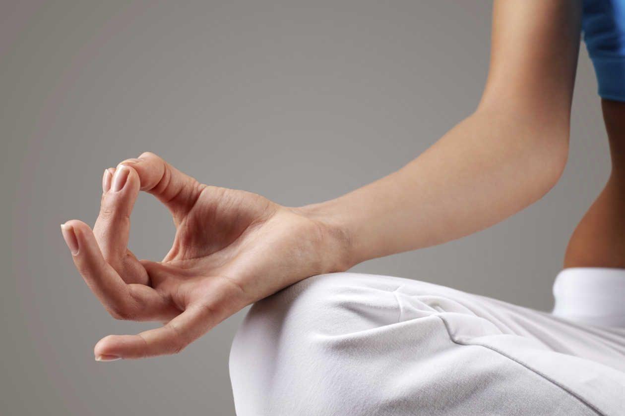 Ejercicios De Yoga Para Mejorar La Respiración Ejercicios De Yoga Ejercicios Beneficios Del Ejercicio