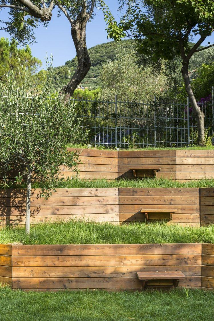 Murs De Soutenement En Bois Pour Amenager Un Jardin En Pente Terrainen Retenir Terre Jardin En Pente Amenagement Jardin En Pente Mur De Soutenement En Bois