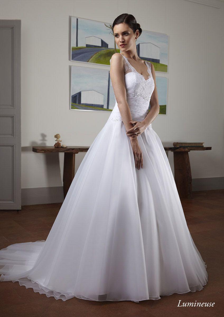 Creations Bochet, fabricant français de robes de mariée basé à Montauban  (Tarn et Garonne, vous présente ses collections de robes de mariée.