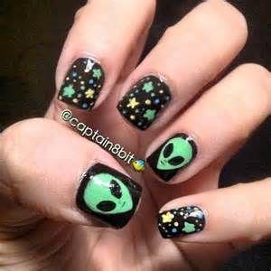 Alien Nail Art Bing Images Nail Inspiration Alien Nails Nails