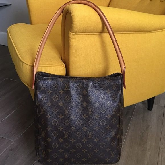 f30946d62902 AUTHENTIC LOUIS VUITTON LOOPING GM MONOGRAM 100% Authentic Louis Vuitton  Looping GM Monogram Shoulder Bag