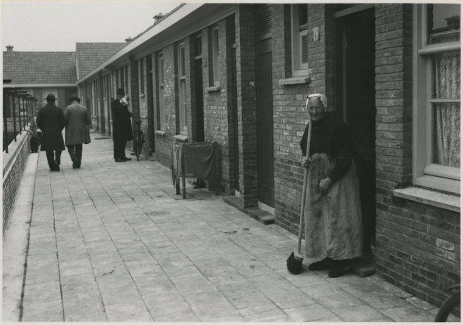 Het Vissershof aan de Scholstraat. 1932 #ZuidHolland #Scheveningen