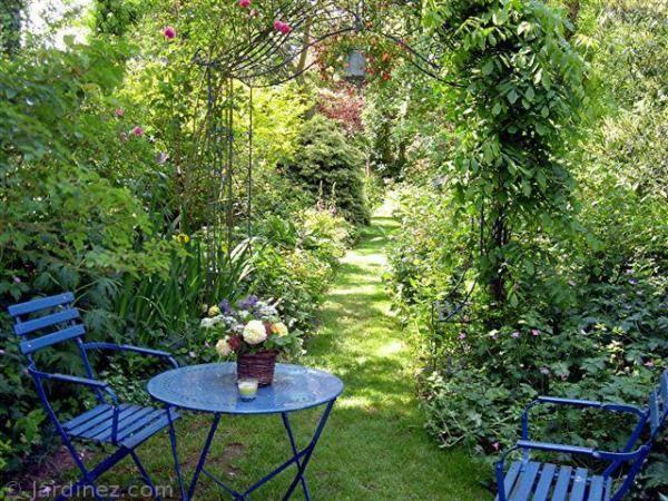 Pingl par elisa crescentini sur garden seating for Jardin romantique anglais