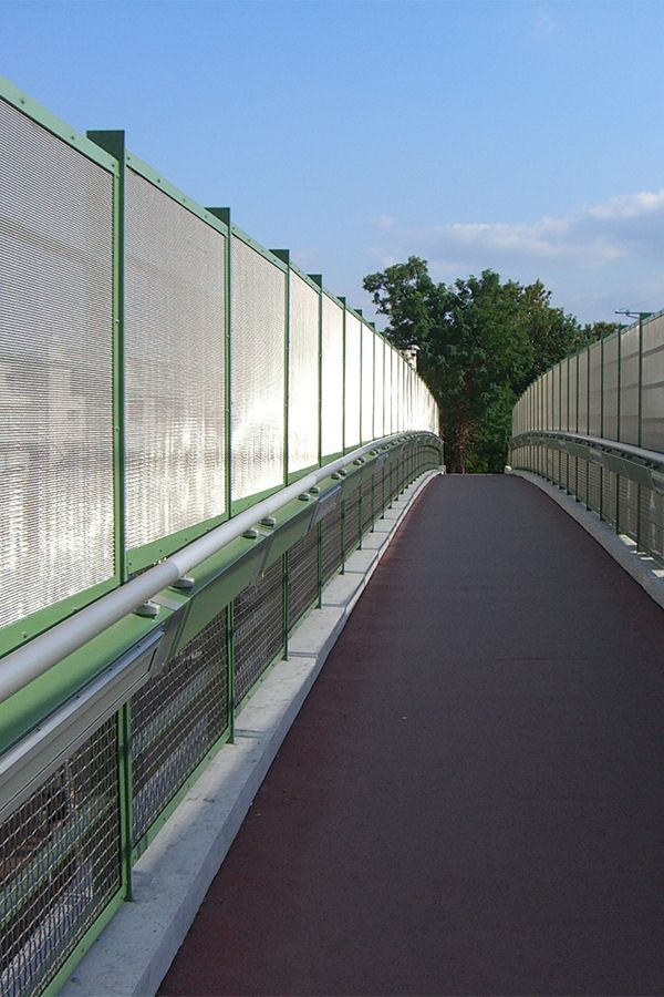 Bridge cladding made from HAVER Architectural Mesh. The wire mesh is ...