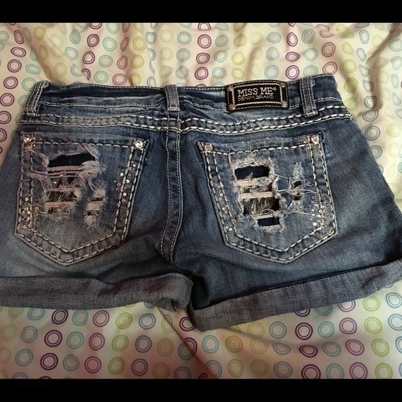 Miss Me Jean Shorts Worn a couple times! In new condition! Pants
