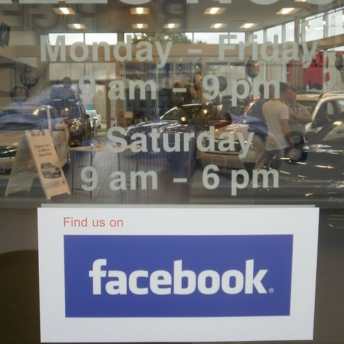 Facebook Decal 18 00 Buy Social Media Window Decals Window Decals Car Dealership Social Media