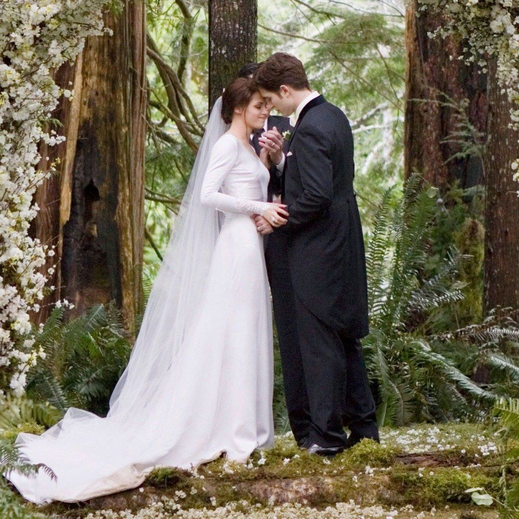 The Twilight Books And Movies Were Truly Phenomenal Bella Swan's Marriage To Vire: Twilight Bella Swan Wedding Ring At Reisefeber.org