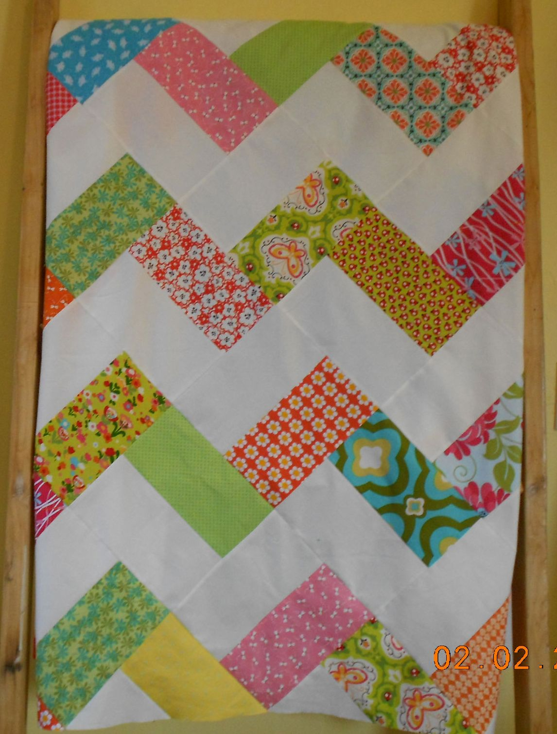Zig Zag Quilt This may be my next Project Linus quilt Projectlinus ... : project linus quilt patterns - Adamdwight.com