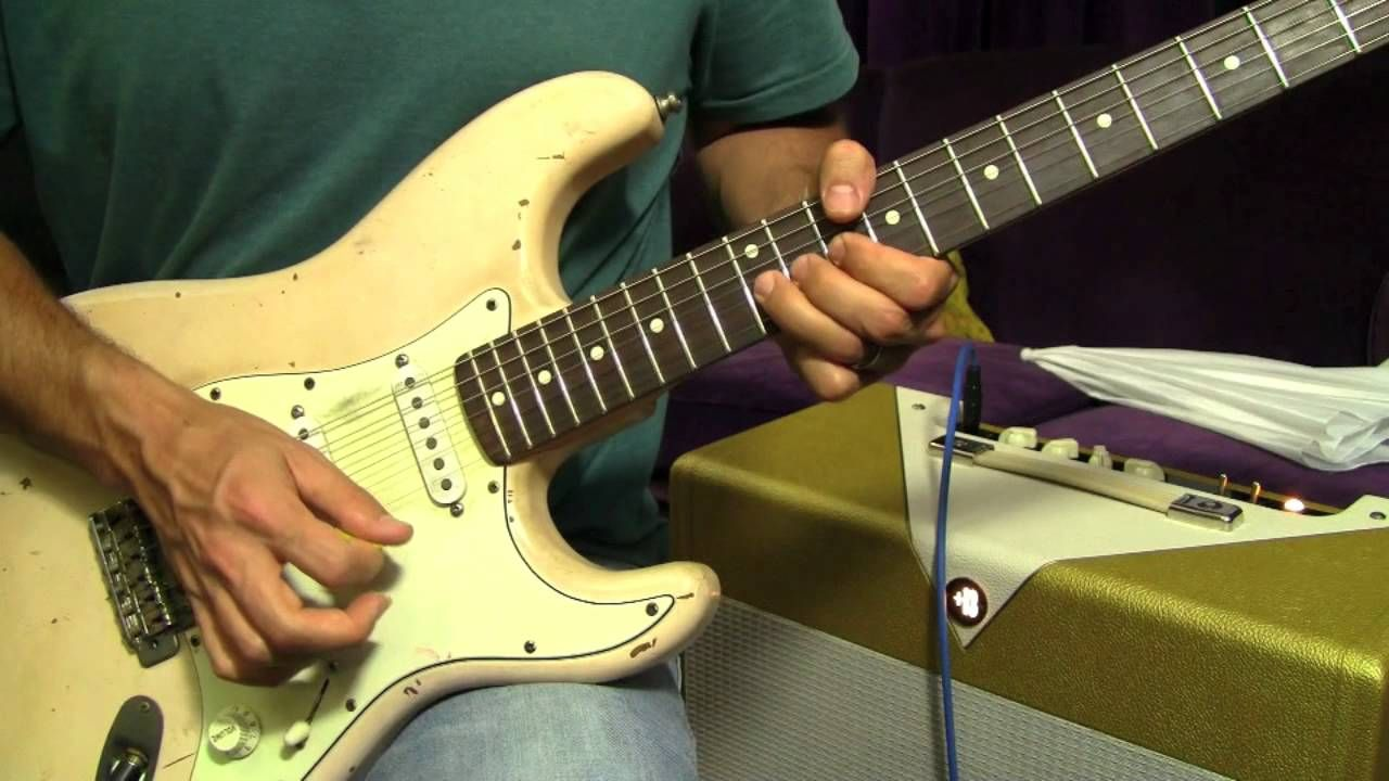 Free blues soloing lesson in a guitar lessons