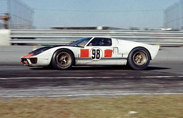 Winning Ford Gt40 Mk Ii At Daytona 1966 Ford Gt Ford Gt40