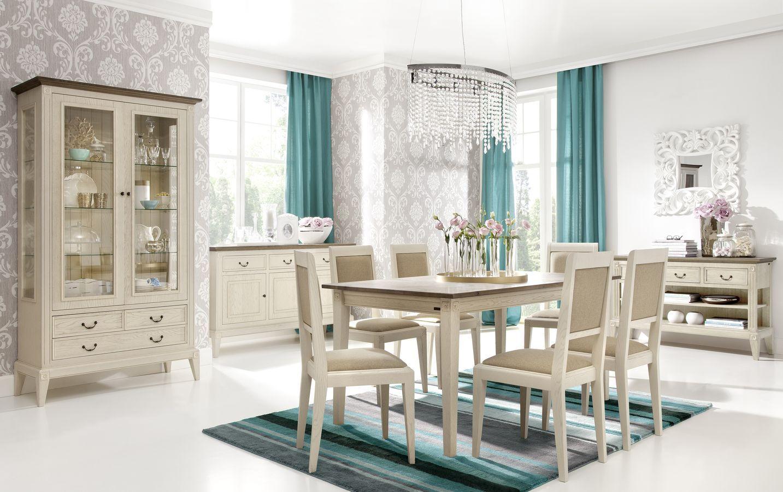 Wunderschönes Wohnzimmer im romantisch verspielten Landhausstil ...