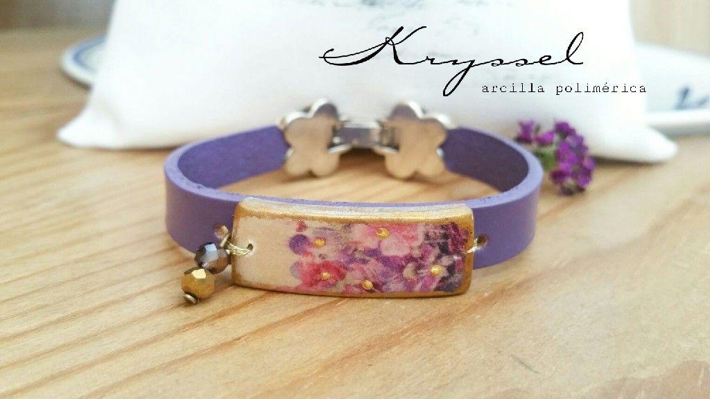 Purple Floral de Madera Pulsera De Abalorios-hasta 19cm Pulsera