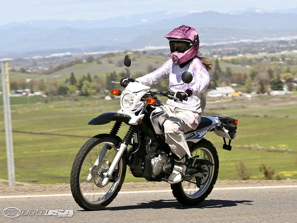 2008 Yamaha XT250 Comparison | chicks on bikes with goggles ...