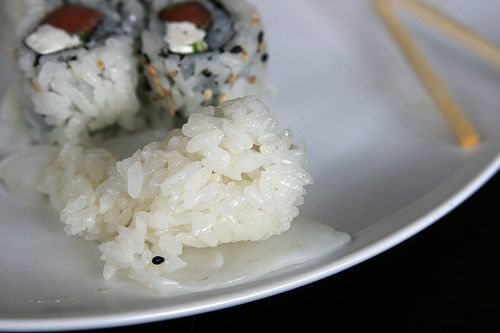 guest post about Making Sushi Rice: don't be intimidated! http://www.sushiguide.com.au/making-sushi-rice/