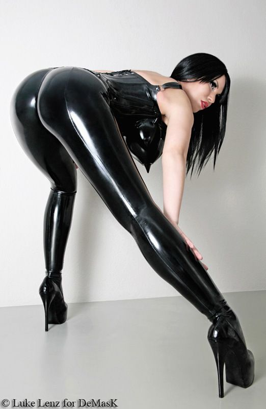 Sexy latex girls ass
