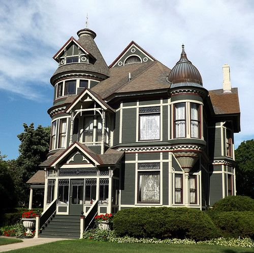 Facade: Queen Anne House On Military Street--Port Huron