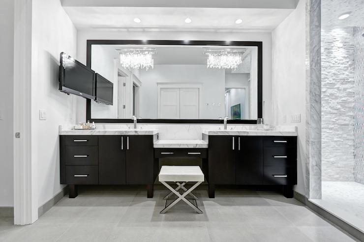 Modern Bathroom Chandeliers Dle Destek Com In 2020 Contemporary Master Bathroom Modern Master Bathroom Bathroom Vanity Designs