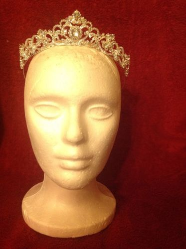 Wedding Tiara Beautiful Classy Bought For $159 At Wedding Store https://t.co/sELl06M3lX https://t.co/DiFZaGZeY7 http://twitter.com/Foemvu_Maoxke/status/772499412861984768