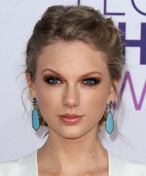 Taylor Swift Curly Casual Updo Braided Hairstyle Light Brunette Caramel Hair Color