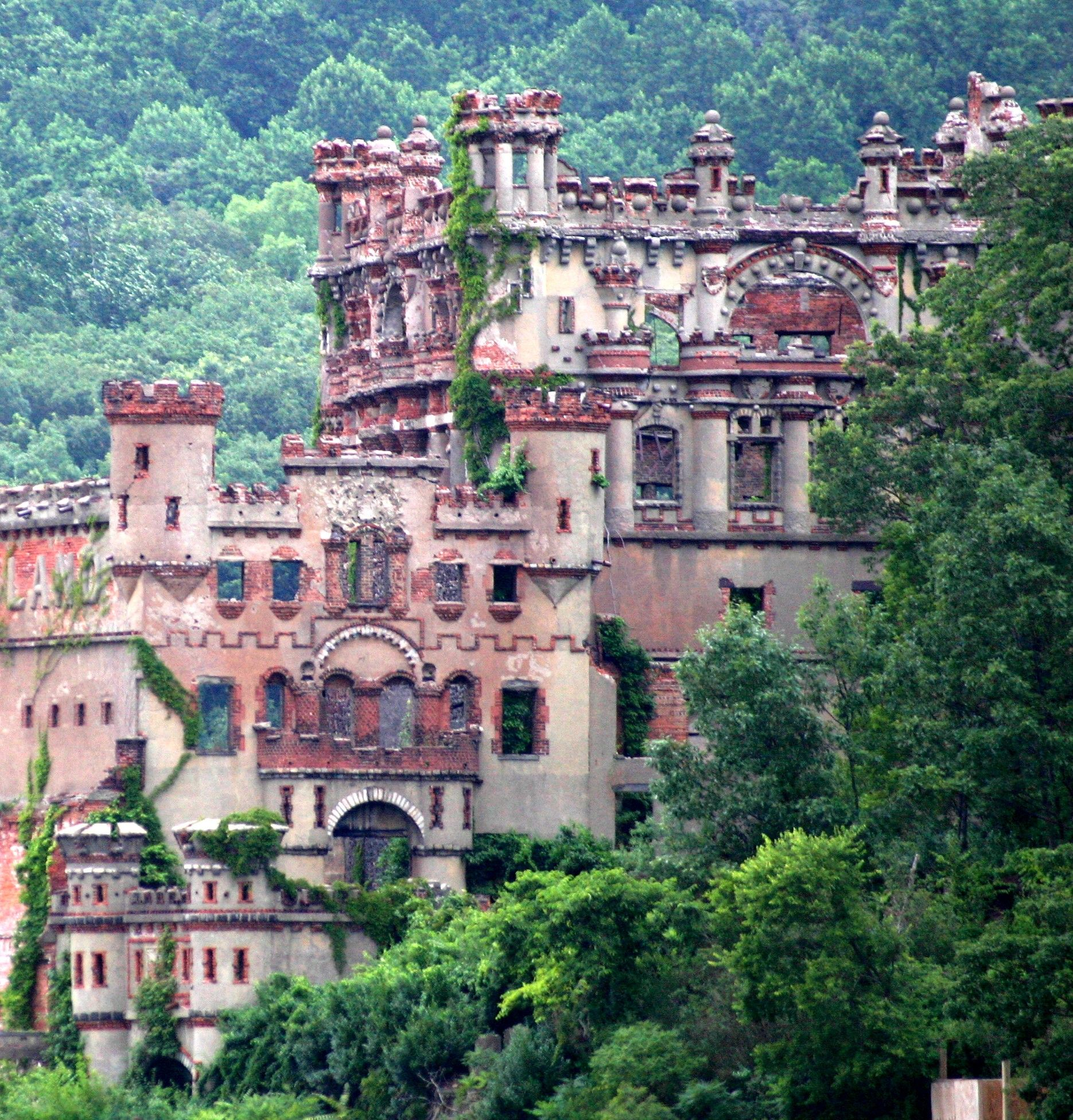 Beautiful Places Hudson Valley: Bannermans Castle (Hudson River Valley)