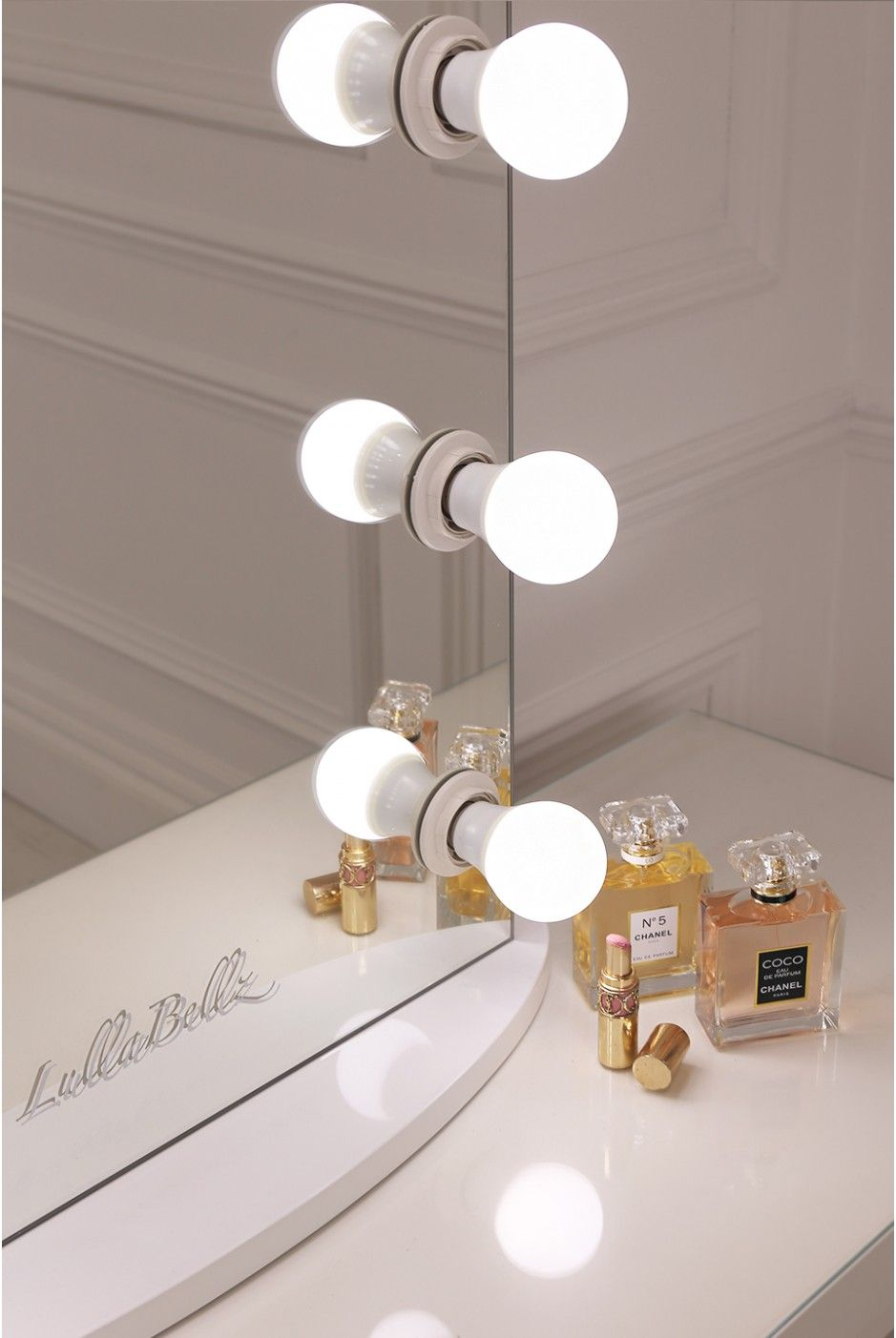 Simplistic Crisp White Finish Embedded Hollywood Light Up Mirror Diy Wiring Lampu Rumah With Ten Led Bulbs