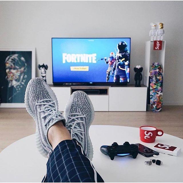 Fortnite ᕼyᑭᕮᗷᕮᗩst In 2019 Yeezy Hypebeast Bedroom