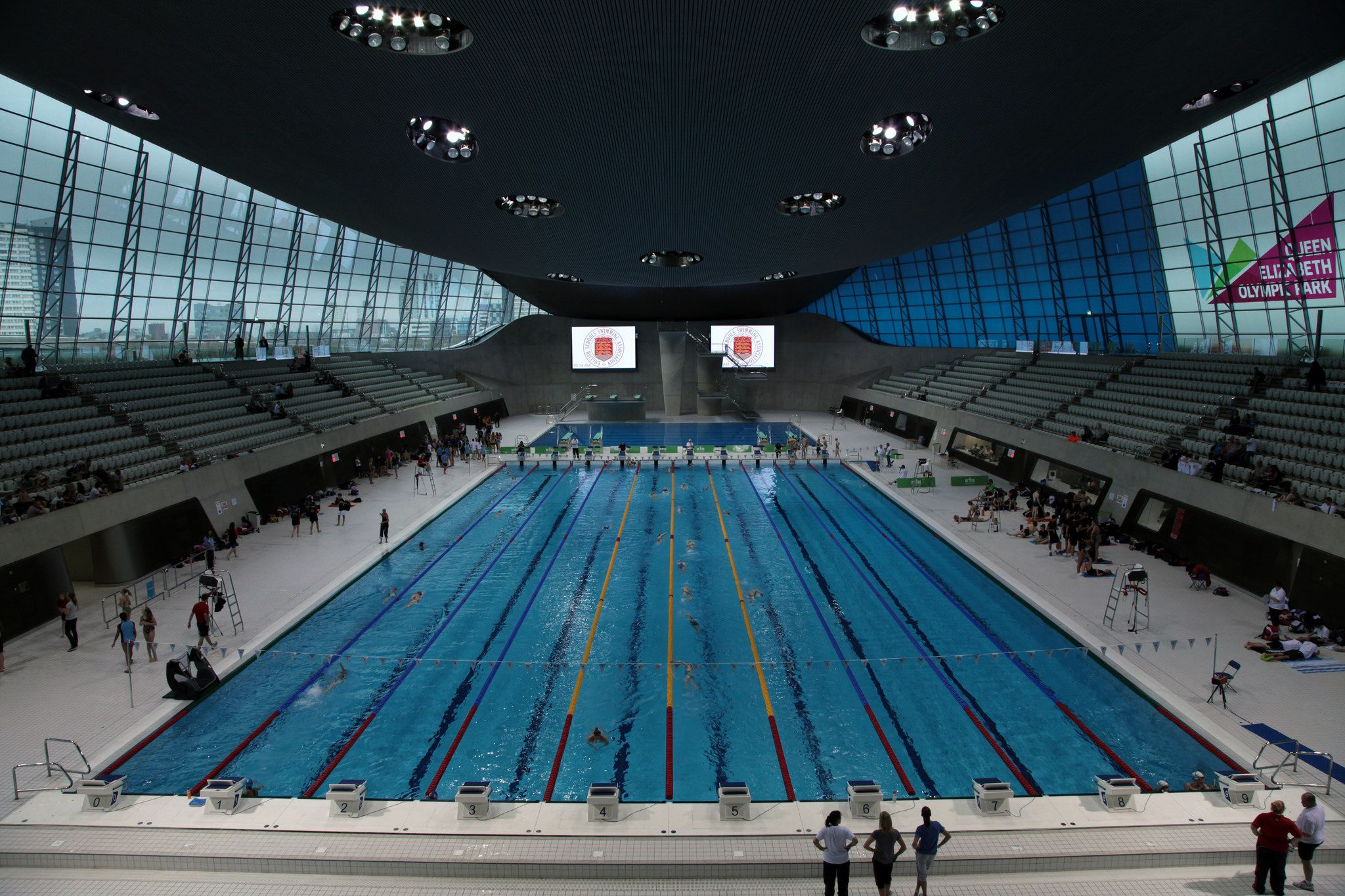 The london aquatics centre london olympics 2012 - Queen elizabeth olympic park swimming pool ...
