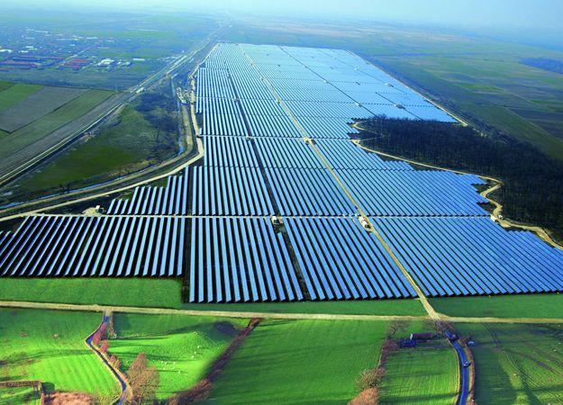 Solar Power Plant in Chile | Solar | Solar power station, Solar
