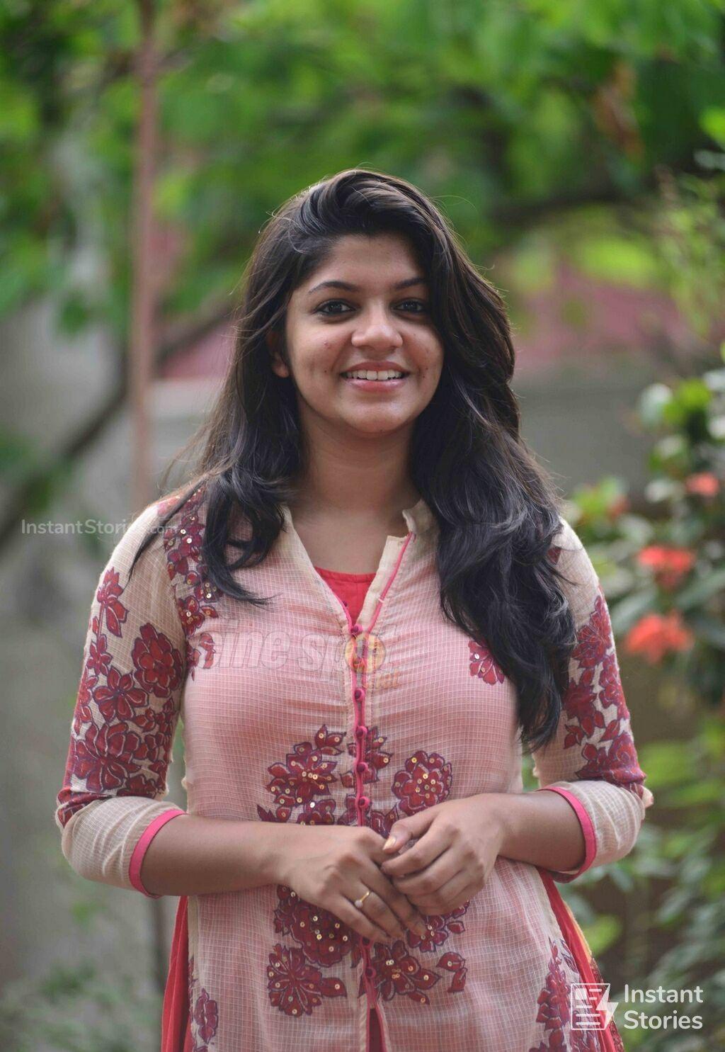 Aparna Balamurali Latest Hot Hd Photos Wallpapers 1080p 4k Beautiful Indian Actress Most Beautiful Indian Actress Beauty Full Girl