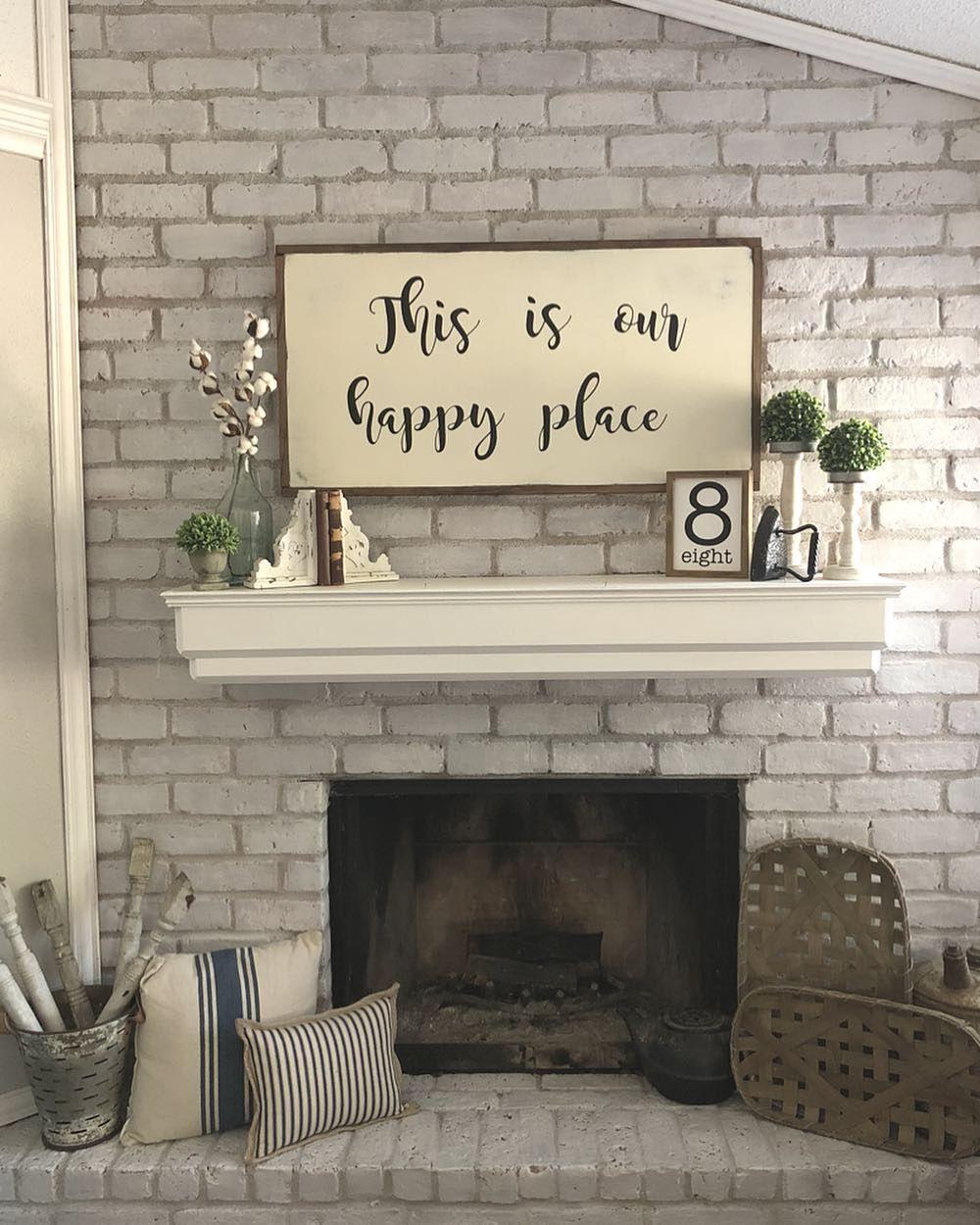 3 622 Likes 131 Comments Holly Our Faux Farmhouse Ourfauxfarmhouse On Instagram Hi Farmhouse Mantle Decor Above Fireplace Decor Rustic Mantle Decor