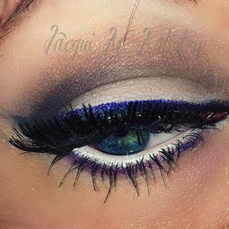 Simple Dramatica http://www.makeupbee.com/look.php?look_id=79002