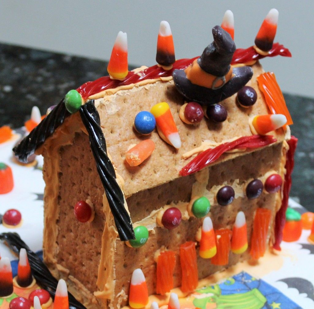DIY Graham Cracker Haunted Houses (With images) Graham