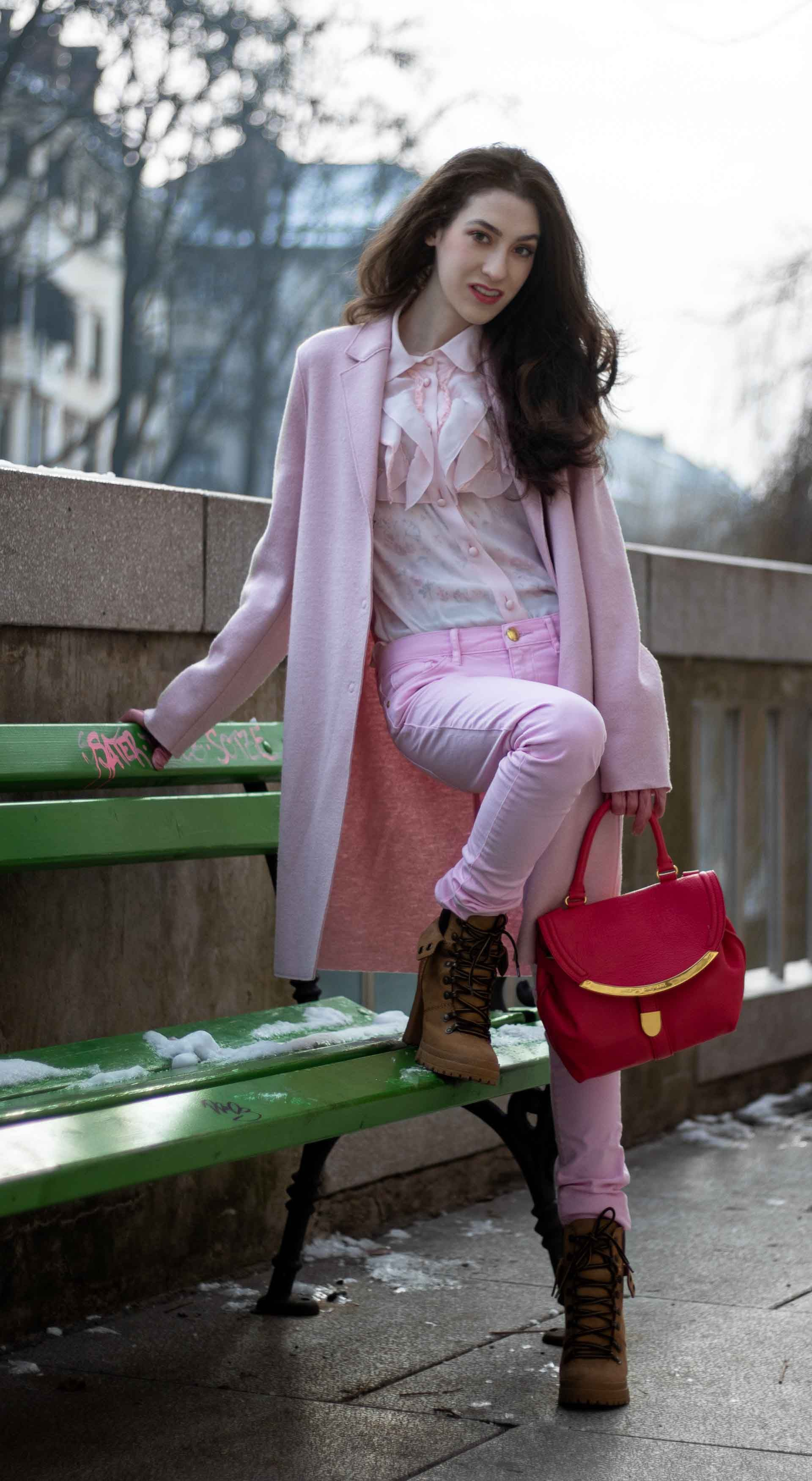 1459f0a7c0b5 Fashion Blogger Veronika Lipar of Brunette from Wall Street sharing how to  wear skinny pink jeans in winter  fashion  blogpost  everydayoutfit   fashionable ...