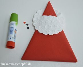 eine anleitung f r s e servietten weihnachtsm nner als tischdekoration weihnachtsmann basteln