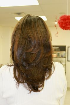 Round Long Layer Haircut Back View Hair Styles Long Hair Styles Long Layered Hair