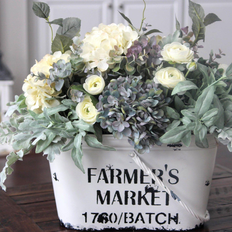 26 Rustic Wedding Ideas That Still Feel Elevated: Farmhouse Decor~Large Table Centerpiece~Rustic Arrangement