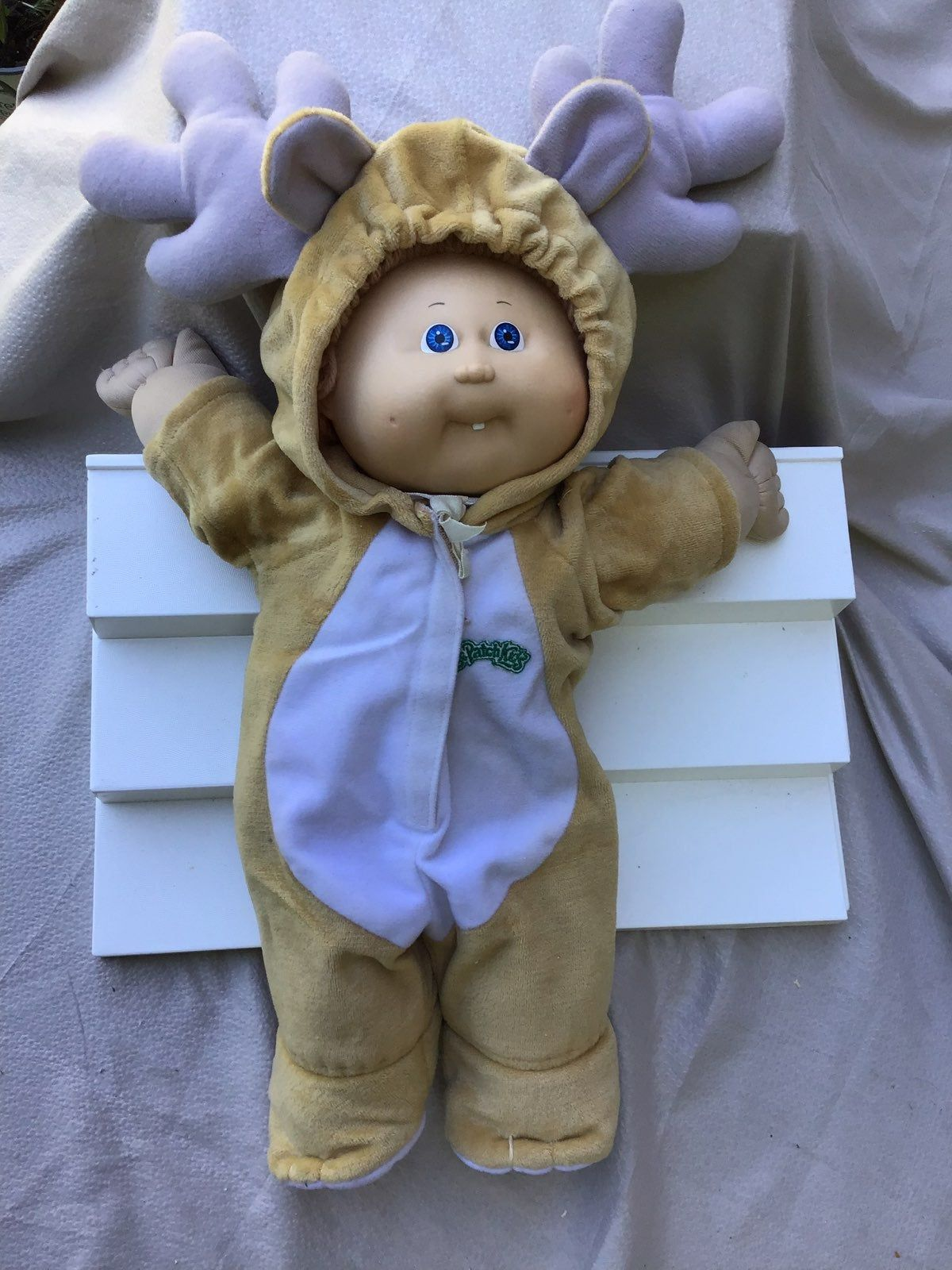 Cute Vintage 1982 Reindeer Cabbage Patch Doll In Very Nice Clean Condition The Dolls Hair Sh Cabbage Patch Kids Dolls Cabbage Patch Dolls Cabbage Patch Kids