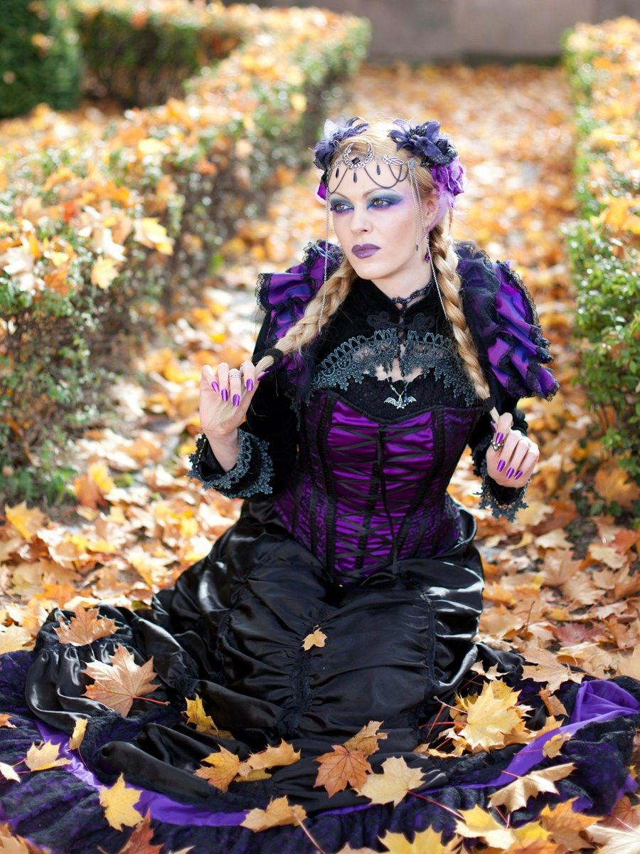Pin by star moon on gothic girls pinterest gothic girls dark
