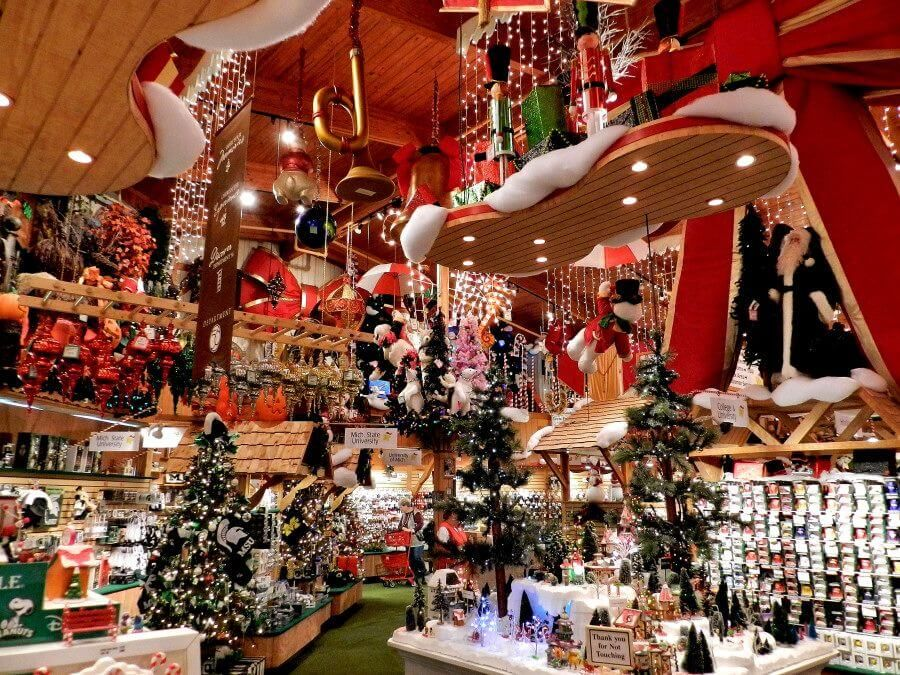 Best Means Of Creating A Holiday Atmosphere With Christmas Store Decoration Bronners Christmas Store Christmas Store Fun Christmas Decorations
