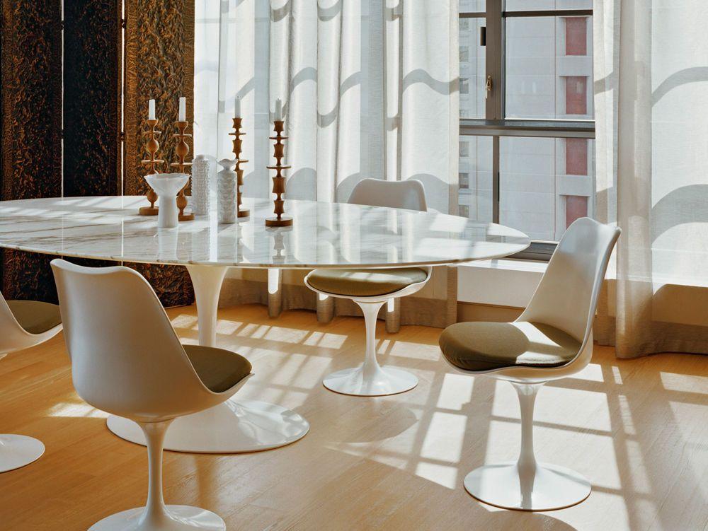 Tavolo TULIP ovale grande Eero Saarinen in marmo carrara bianco ...
