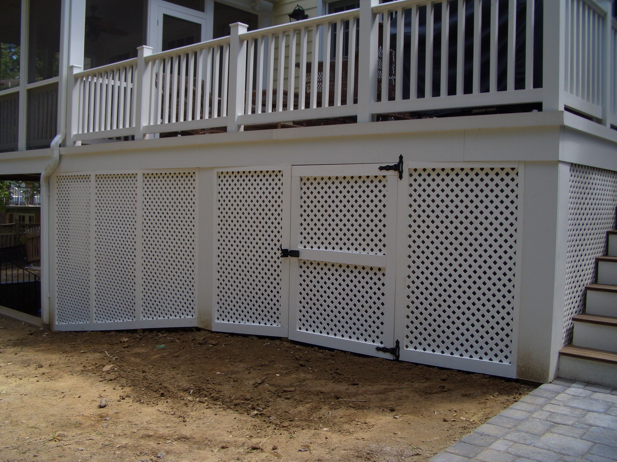 Vinyl privacy lattice screen under deck w gate outdoor for Lattice for privacy on patio